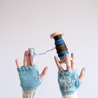 Gloves_bobbi_2_small2