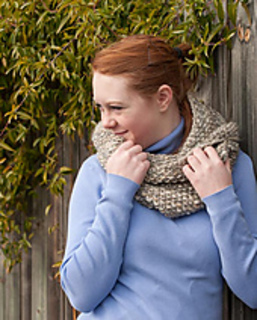 Cindy_cowls_shawl-0192-2_small2
