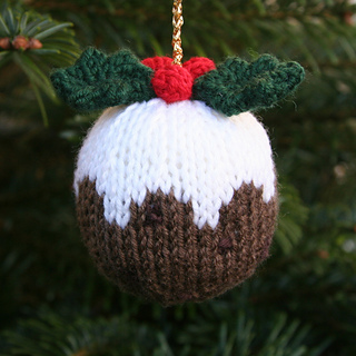 Knitting Pattern For A Christmas Pudding : Ravelry: Knitables Christmas Pudding pattern by Sarah Gasson