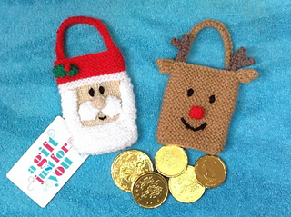 Knitting Patterns Christmas Gifts : Ravelry: Santa and Reindeer Christmas Gift Bags pattern by Mary Lucas