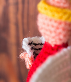 Crochet_angel_ornaments_close_up_small2
