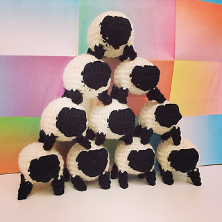 Sheep_heap_crochet_pattern_small2