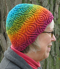 Almond_hat_in_parakeet_2_small