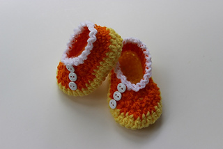 Candy_corn_shoes_2016_small2