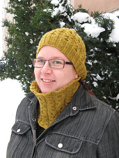 Cherie-beret-and-cowl_small2