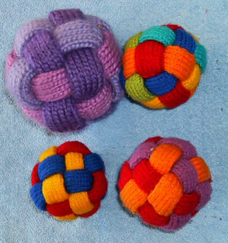 Historic Needlecrafts by KnittyDebby: Last minute projects....