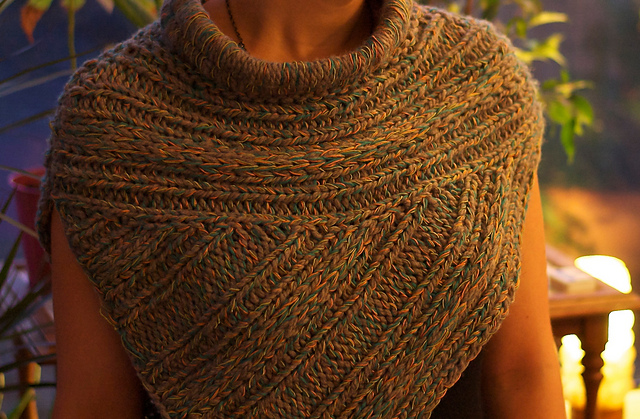 Free Knitting Pattern For Katniss Cowl : Trend-spotting: Katniss-inspired Knitwear Crafts from the Cwtch