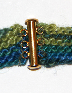 Clasp_back_small2