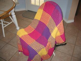 2008_sarah_and_kyle_christmas_blankets_001_small2