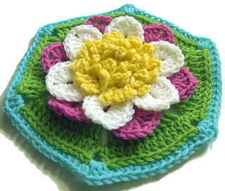 Water_lilly_hexagon_2_small2