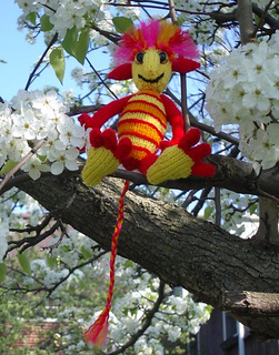 2012-03-22_phoenyling_in_tree_small2