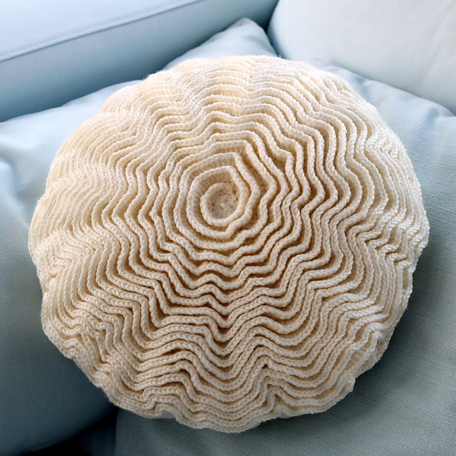 Blooming Flower Cushion Love Lucie