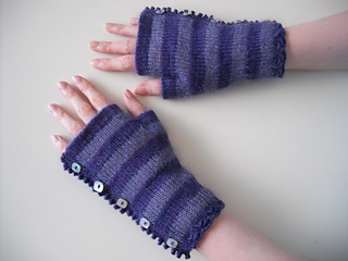 Pretty_striped_mitts_001_small2