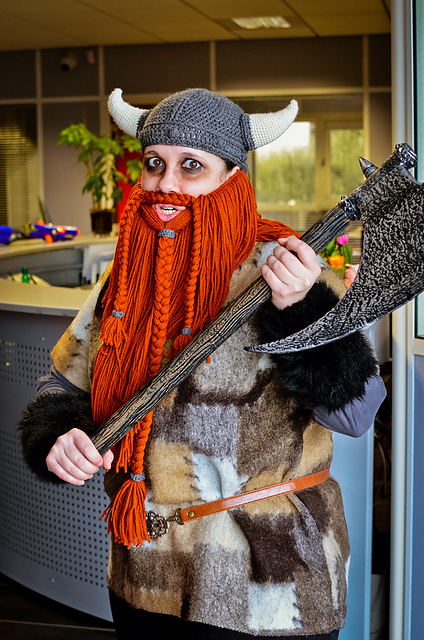 Free Halloween crochet patterns: viking beard by Melissa Campbell