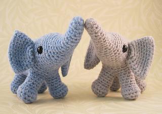 Baby_elephant_01_small2