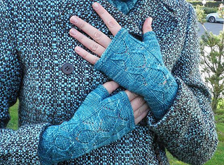 Cym_mitts_small2