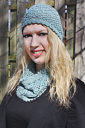 Aslope Hat and Cowl Set PDF