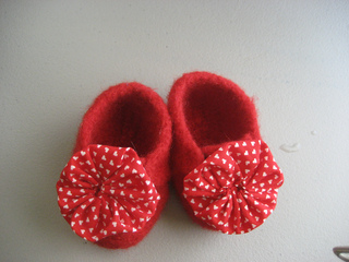 Red_baby_shoes_small2