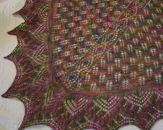 Harbour_20lights_20shawl_2022_20-_20finished_small2
