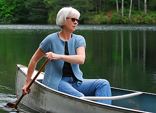 Canoeing_from_front-side_medium2_small2