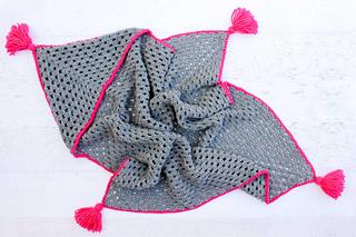 Free-crochet-hooded-baby-blanket-pattern-3_small2
