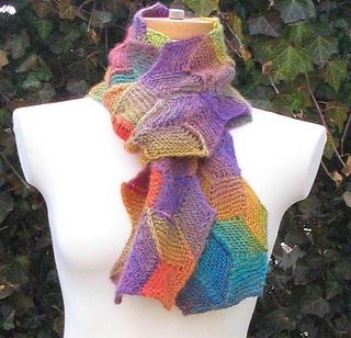 Hex_scarf_tied_small2