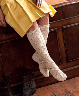 The_art_of_seamless_knitting_-_lace_stockings_small2