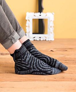 Op-art_socks_-_victor_beauty_shot_small2