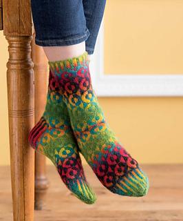 Op-art_socks_-_yaacov_beauty_shot_small2