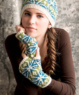 Graphic_knits_-_woodstar_mitts_beauty_shot_small2