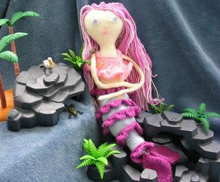 Rosella_mermaid_3_small2