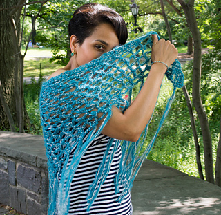 Alittlebitofblingshawl__2_of_24__small2