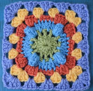 Circle_with_popcorn_granny_square__3_of_3__small2