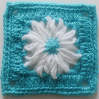 Flower_loom_granny_square_free_crochet_pattern_by_underground_crafter__1_of_1__small2