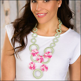 Flowernecklace_300_small2