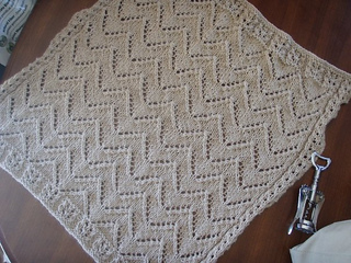 Car Seat Blanket Knitting Pattern : Baby Car Seat Blanket Pattern Knit - Moms and Babies
