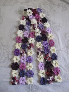 Puff_stitch_flower_scarf_14_small2