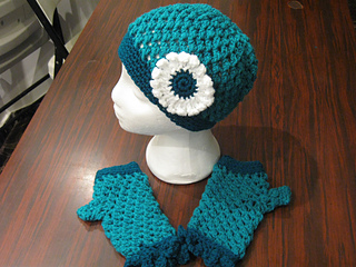 Hats_and_fingerless_gloves_teal_small2