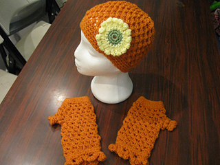 Hat_and_fingerless_gloves_set_bfs_medium_orange_small2