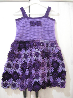 Crochet_flower_dress_done_-_front_small2