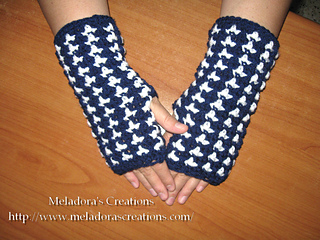 Birds_of_a_feather_finger-less_gloves_small2