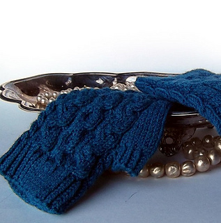 Cabledwristwarmers500_small2