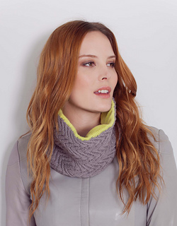 Vanessa_cowl_storm_and_lime_small2