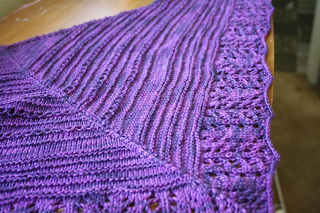 Strange_love_shawl_026_small2
