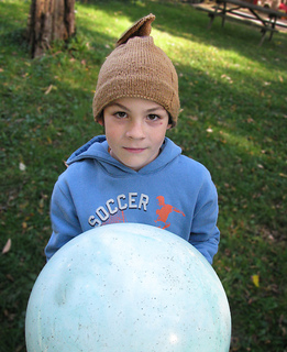 Paper_sack_boy_and_ball_small2