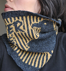 The_nevermore_cowl_020_small