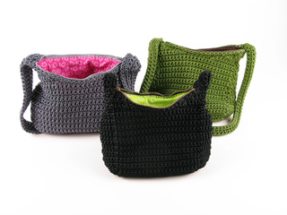 Carrie-wolf-modern-needlepoint-crochet-nylon-purse-pattern-9265_small2
