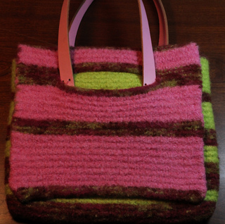 Small_pink_bag_front_view_small2