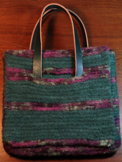 Small_green_bag_front_view_small2