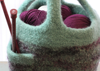 Green_project_bag_close_up_small2